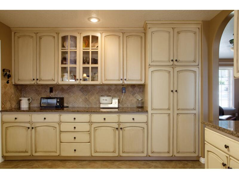 Beau Antique White With Van Dyke Brown Oak Cabinets